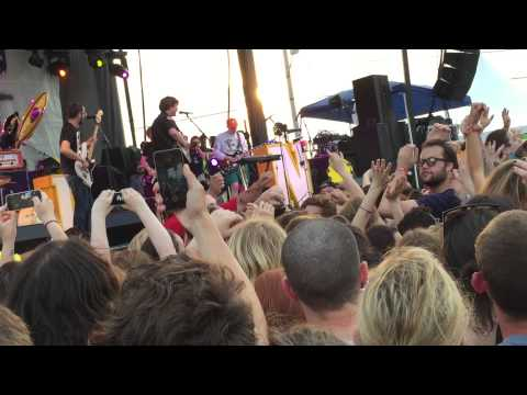 The Front Bottoms - Twin Size Mattress (ft. Kevin Devine) live Skate And Surf 2015