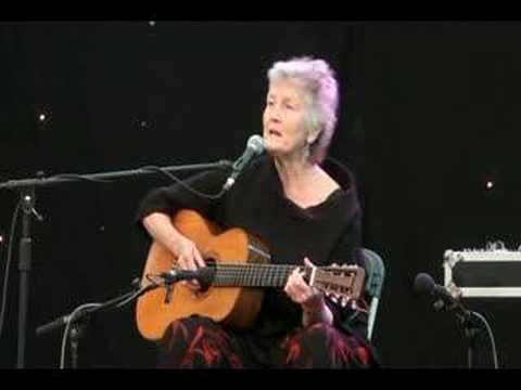 Peggy Seeger.(Gonna Be An Engineer) @Shepley Spring Festival 2008