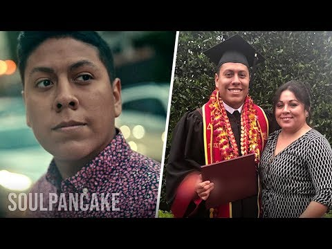 Young Immigrant Shares His Emotional Journey to Citizenship | Bonobos Class of 2019