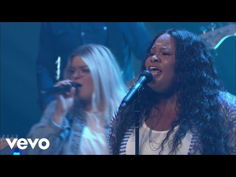 Tasha Cobbs Leonard - The River Of The Lord (Live At Passion