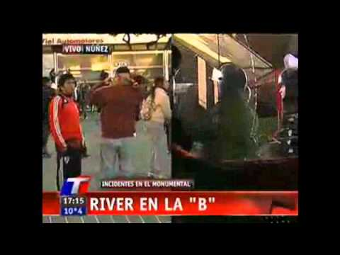 River en la b estan rompiendo toda la cancha for La b b
