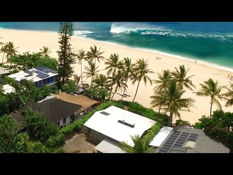 Living at Pipeline, North Shore of Oahu, Hawaii