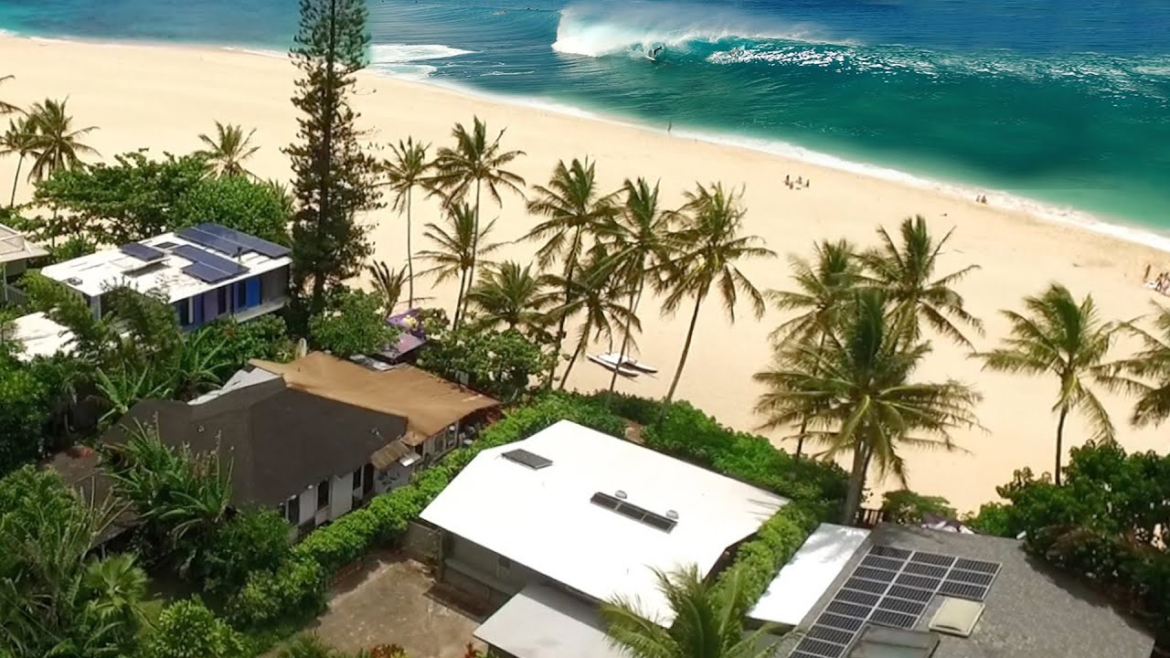 Download Living at Pipeline, North Shore of Oahu, Hawaii