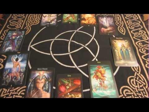 The Horoscope Spread (Tarot Spread Essentials)
