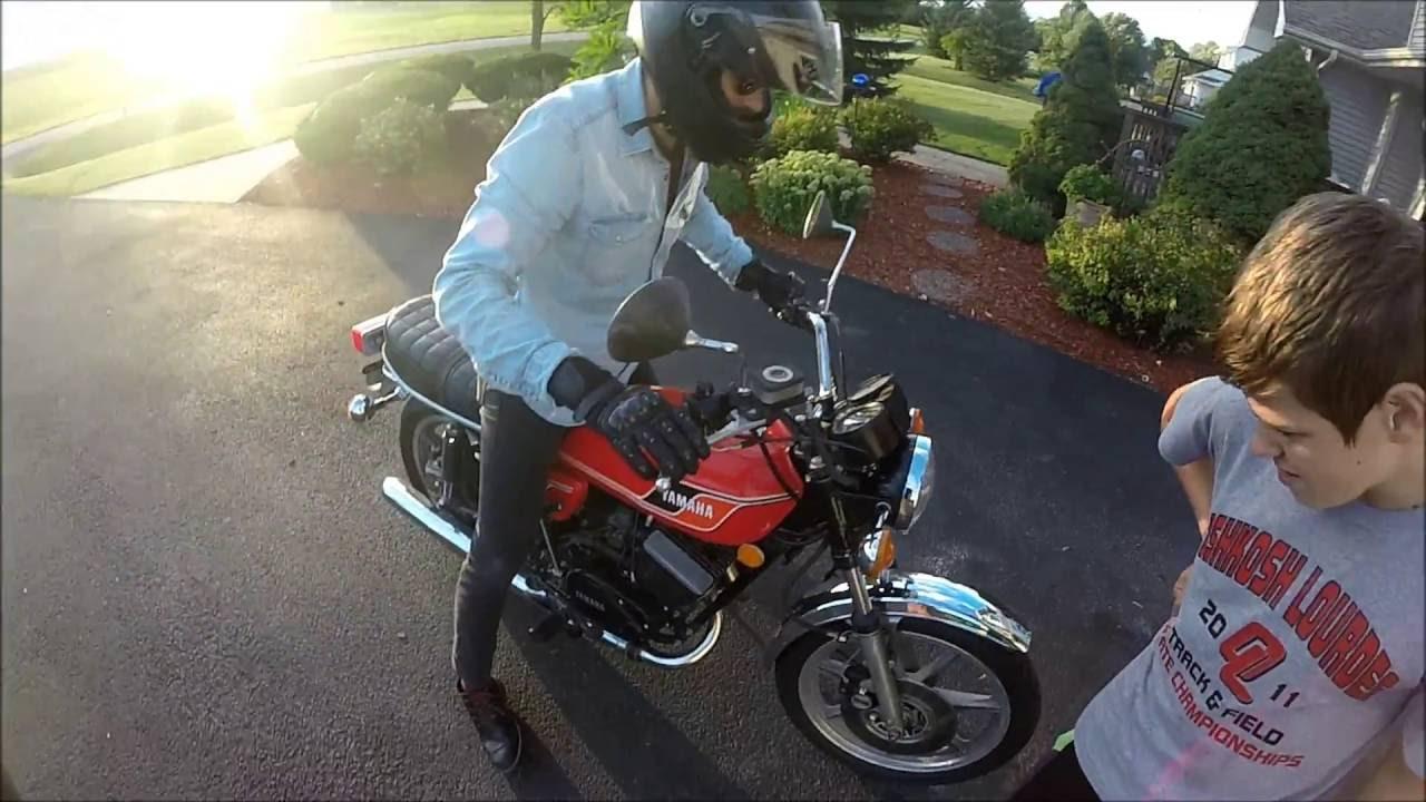Ducati 748 vs Yamaha Rd400!!!