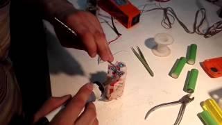 Замена аккумуляторов в беспроводном пылесосе Electrolux. Часть 2(, 2015-06-24T10:56:46.000Z)