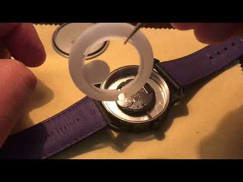 Movado BOLD- How To Change The Battery