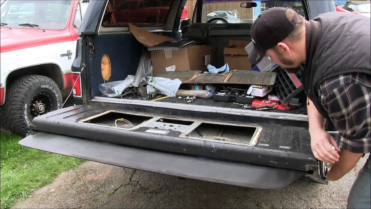 tailgate trim replacement on the blazer - youtube chevy s10 wiring diagram