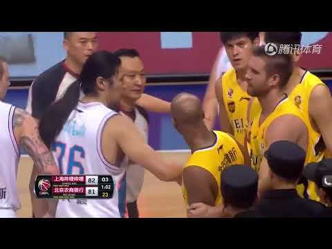 Stephon Marbury and Jimmer Fredette have to be separated during game in China | ESPN