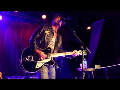 "Butch Walker ""Bed On Fire"" At Smith's Olde Bar 4/5/2016"
