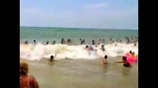 Я на пляже санатория Архипо Осиповка.   Когда на море качка