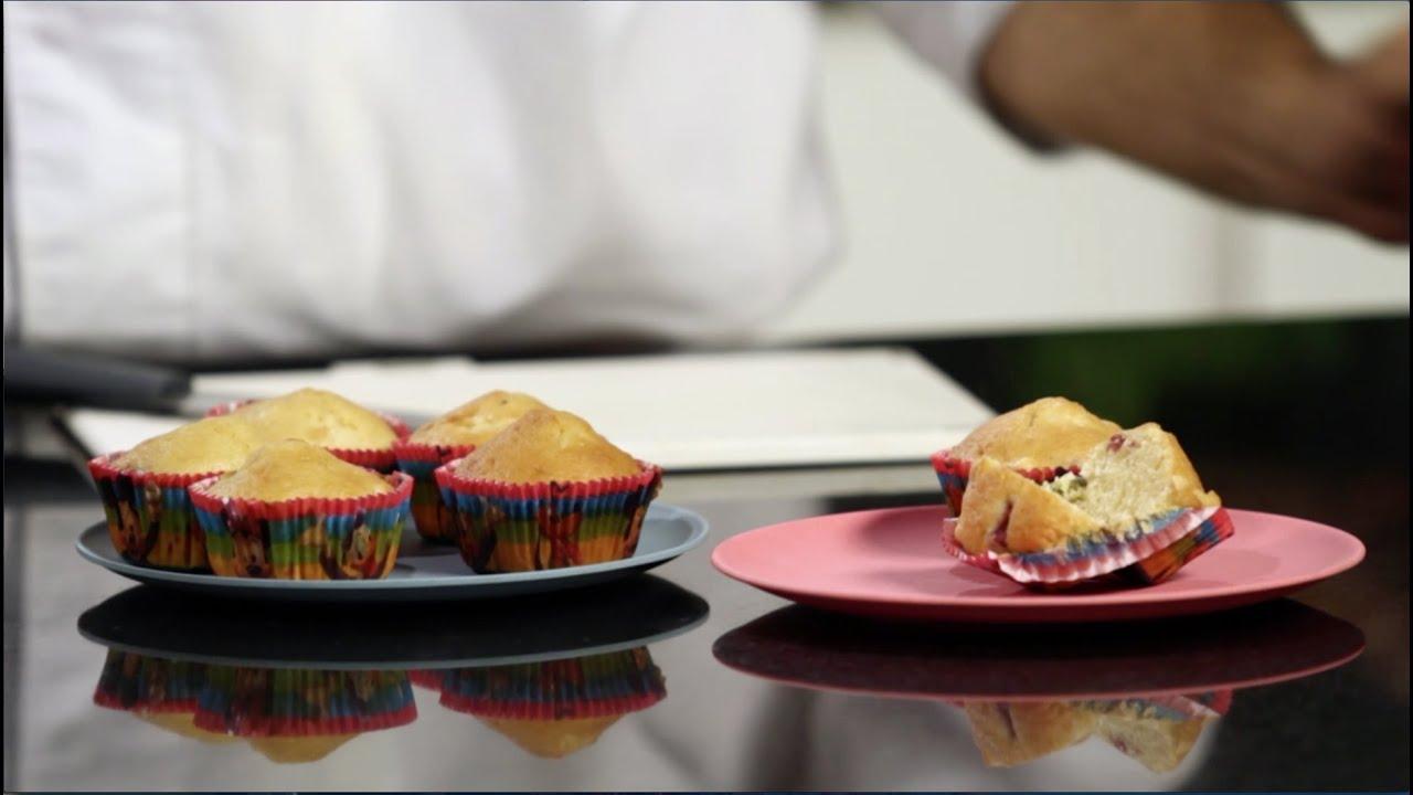 Cocina saludable para ni os magdalenas frutales youtube for Cocina saludable