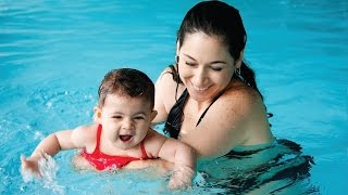How to Introduce a Baby to Swimming: Swings and Dips