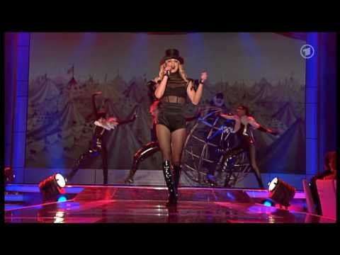 Britney Spears - Womanizer Live at Bambi Awards HIGH QUALITY