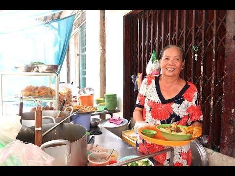 Nơi duy nhất ở Sài Gòn bán bánh canh cua đầu gà ngon tuyệt đỉnh