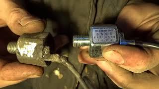 Замена датчика детонации с вытекшим компаундом на Mazda Demio