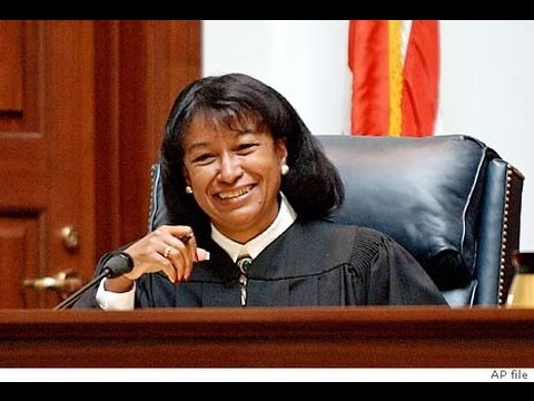 Man Slaps Black judge Calling Her Rosa Parks