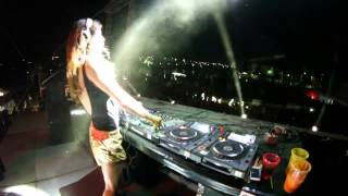 Repeat youtube video Juicy M @ Holi Dance Of Colors Festival