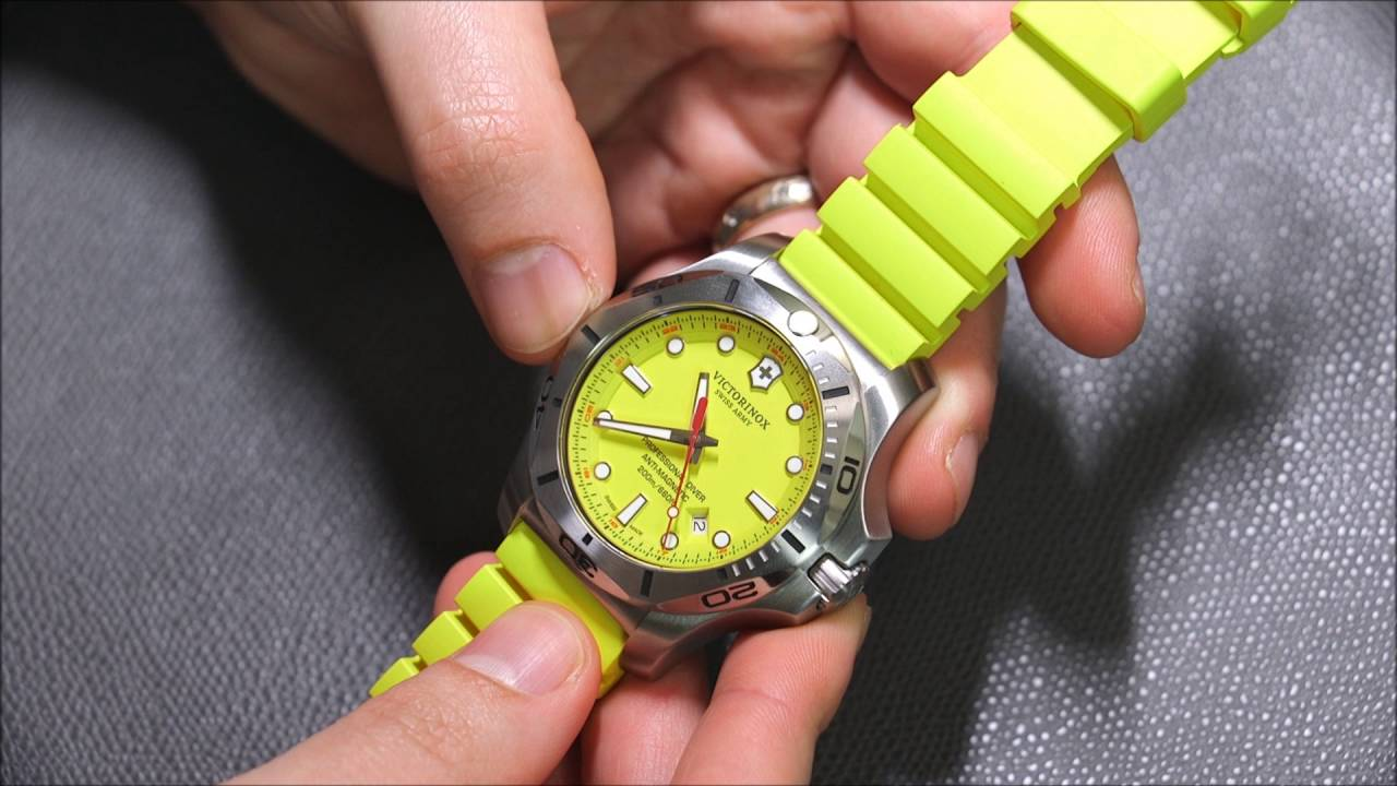 Victorinox Swiss Army Inox Professional Diver Watch Review Ablogtowatch