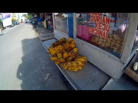pisang-epe-keju-kuliner-khas-makassar,-sulawesi-selatan
