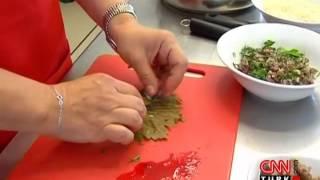 Vişneli etli yaprak sarması nasıl yapılır?