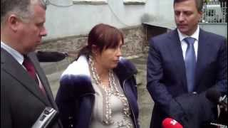 Gambar cover Видео ПН: Мама О.Макар - прокуратура плюнула мне в лицо
