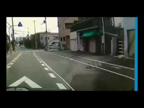 信号のない横断歩道で…
