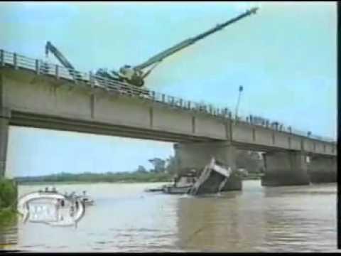 เอสพีเคเครน ตัวอย่างสอนพนักงาน รถเครนตกแม่น้ำที่บราซิล