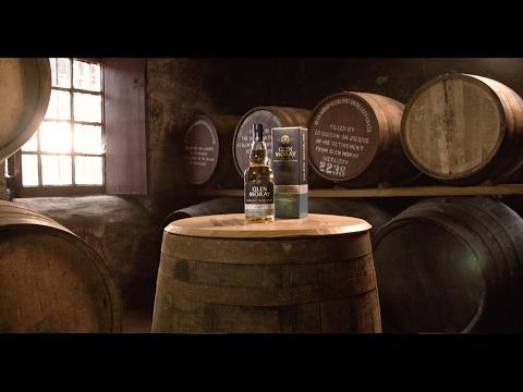 Glen Moray Classic Peated Single Malt Whisky