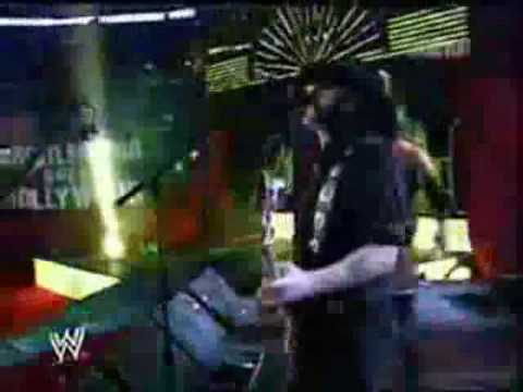 Triple H Entrance w/ Motorhead Live Performance @ Wrestlemania