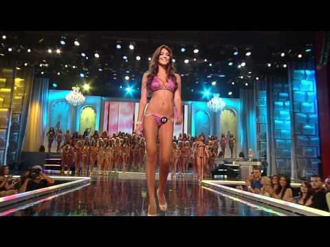 2012 Miss Hooters International Amanda Jemini