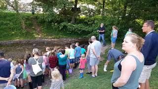 Steentjes zoeken op camping Harfenmühle Duitsland 2017