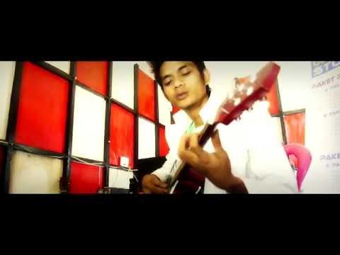 Cover Acoustic Republik (bunda) musik indonesia : oleh : mohamad fadhly suaib (fadli)