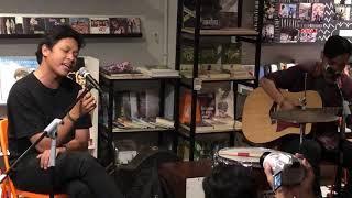 Feast - Berita Kehilangan (Acoustic Live at Kios Ojo Keos 15/10/2018)