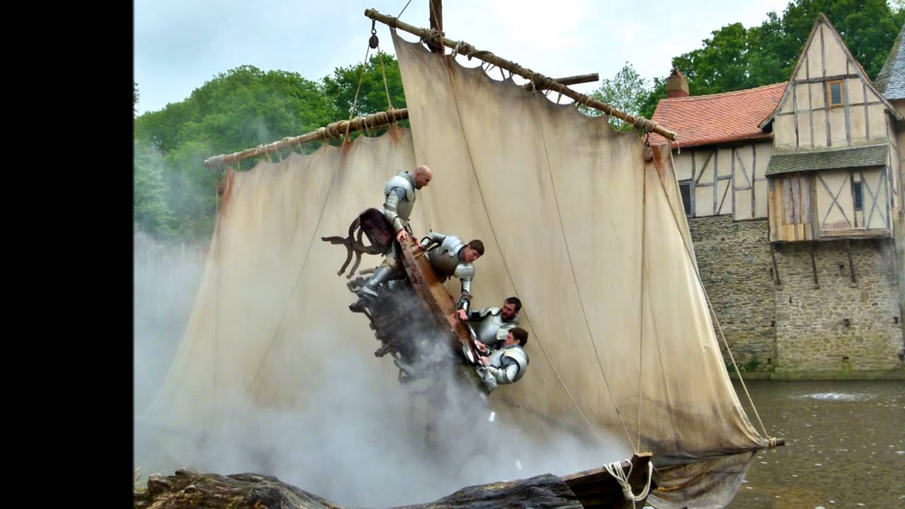 Les Chevaliers De La Table Ronde Puy Du Fou Mai 2013 Youtube