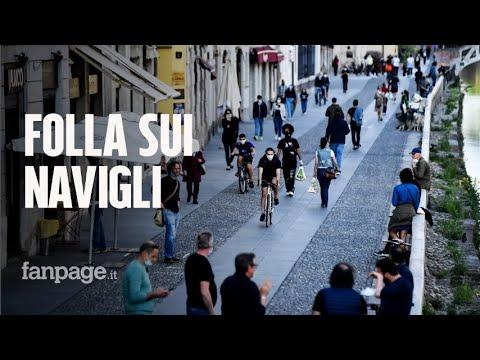 Centinaia di ragazzi sui Navigli, folla nei parchi: senza regole Milano rischia un nuovo lockdown