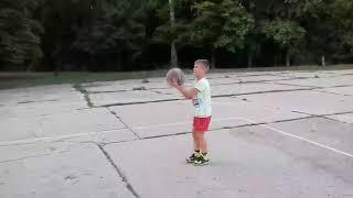 Я первый раз играю в баскетбол