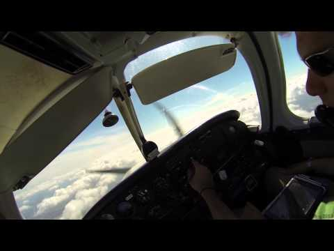 [GoPro HD] Piper PA28 - Cloud surfing