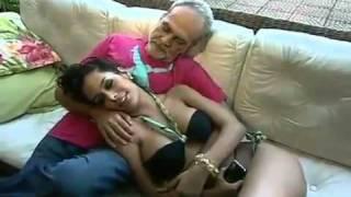 vuclip Larisa Riquelme and old man