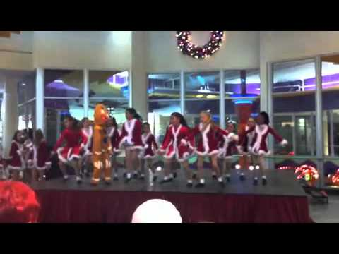 Christmas Dancing - Buena Park Mall