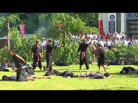 شاهد: محاكاة لذكرى مقتل مليوني شخص على أيدي الخمير الحمر بكمبوديا…  - 14:54-2019 / 5 / 21