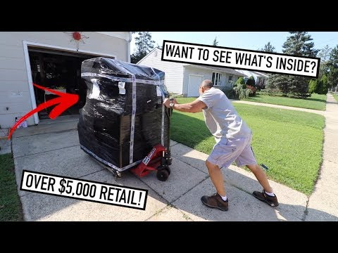 Our First DIRECT LIQUIDATION PALLET UNBOXING - What's Inside?