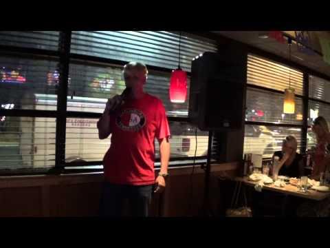 Jimmy @ Applebee's in Dalton, GA - Singing Looking For Love