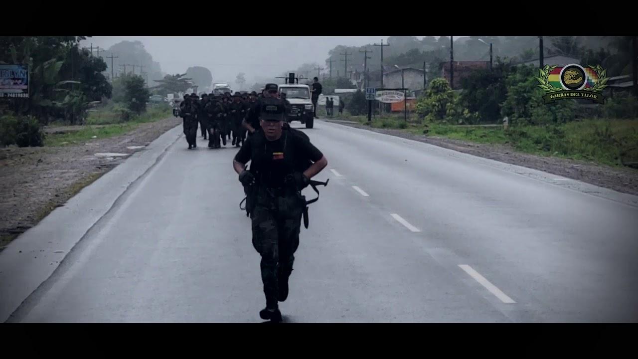 MUJER POLICIA, MUJER DE FUERZAS ESPECIALES