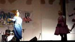 Apresentação em Grupo no AnimeCon 2007. Personagens: Flavia Akane como Princesa Flora e Marcia-Yuna como Favo de Mel. Video by Rodrigo Metalder e ...
