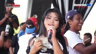 Download Mp3 Cinta Bayangan   Dede Risty # Live Sukagumiwang # New Dian Prima