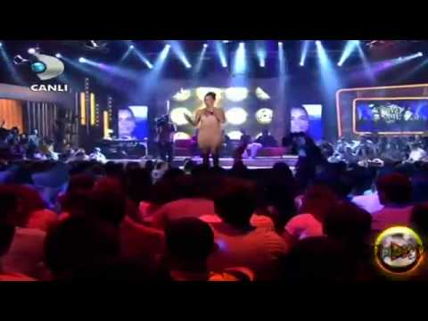 Bengü   Saat Üç Beyaz Show 17062011