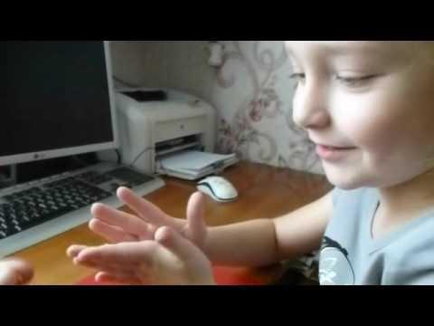 лепить руками из пластилина