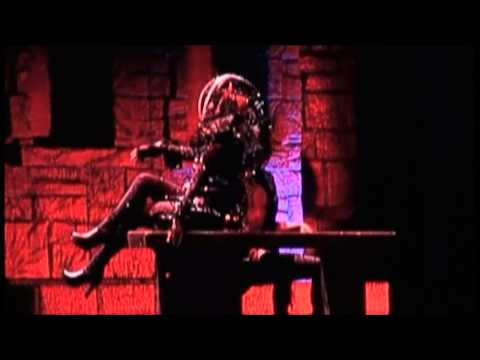 Government Hooker Born This Way Ball Chile 20 Noviembre