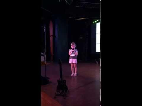 Ra-Ra's karaoke debut